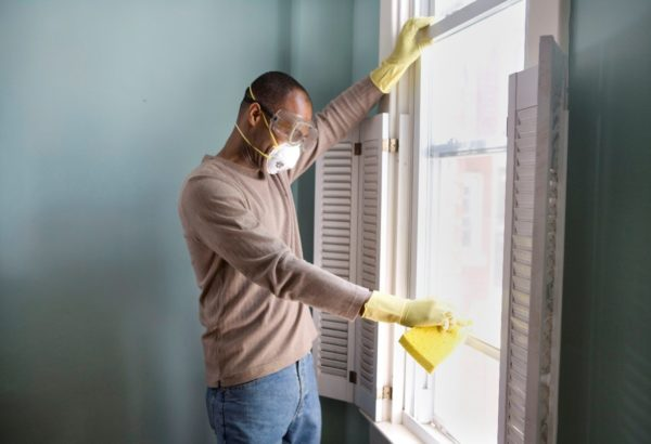 Mouldy Damp Rental? Responsibility Lies on Both Sides